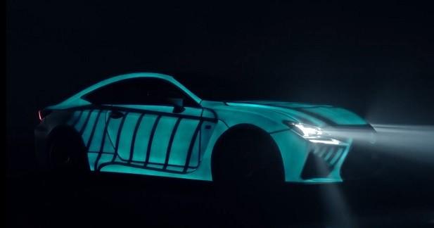 Cette Lexus RC F affiche le rythme cardiaque de son pilote