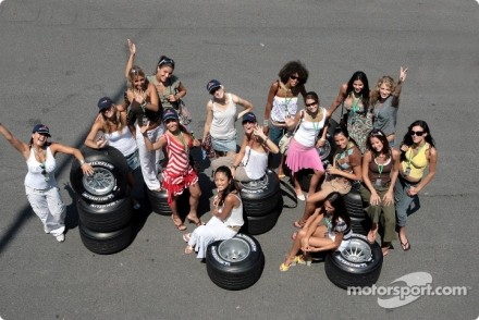 Magny-Cours : les miss !