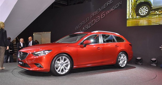 mazda 6 wagon en premi re mondiale paris. Black Bedroom Furniture Sets. Home Design Ideas