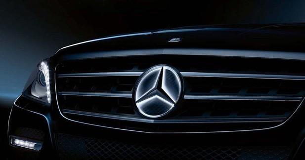 L'étoile de Mercedes brille la nuit !