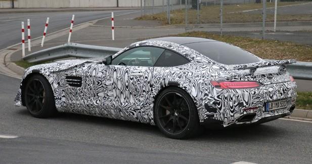 Spyshots: une Mercedes AMG GT un peu spéciale est en développement