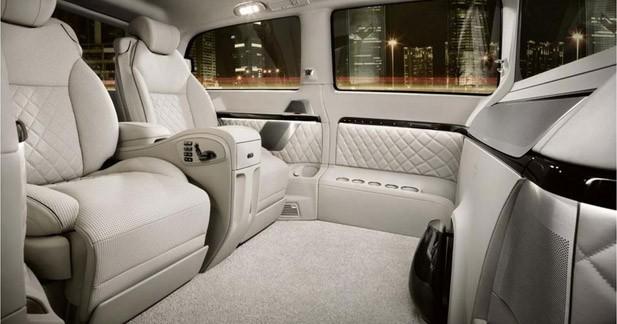 Mercedes dévoile une nouvelle version grand luxe du Viano à Pékin
