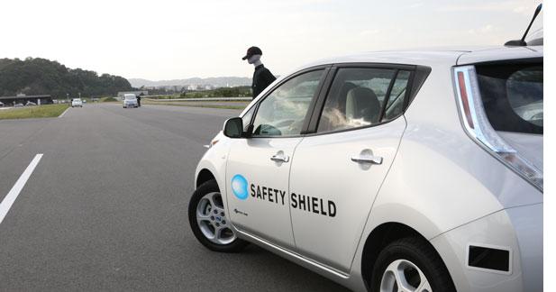 Nissan développe le braquage automatique d'urgence