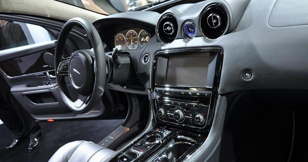 Nouvelle Jaguar XJ Faon Coup 4 Portes