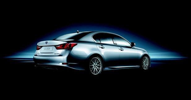 Lexus dévoile la GS300 h à Shanghaï