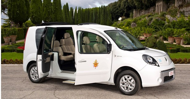 Le pape Benoit XVI roulera en Kangoo Maxi Z.E.