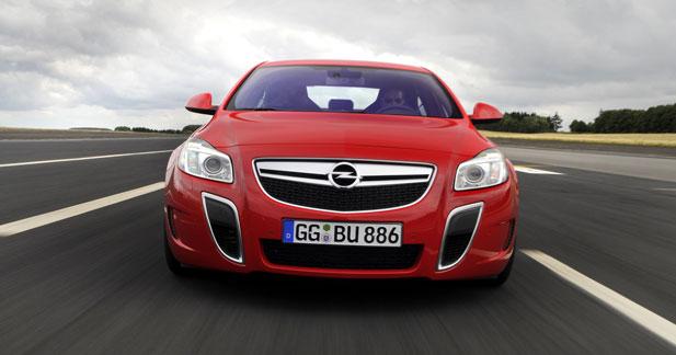 L'Opel Insignia OPC de 325 ch disponible en boîte auto