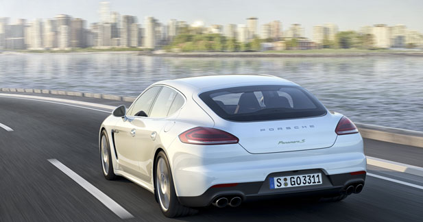 La Porsche Panamera va se décliner en hybride rechargeable