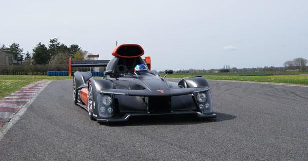 La Green GT H2 a fait ses premiers tours de roues à Magny-Cours