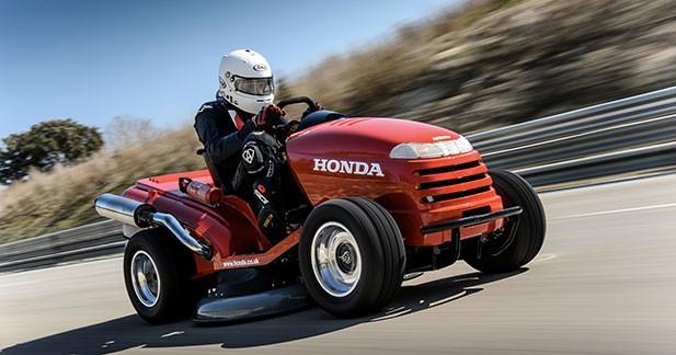 Honda pulvérise le record du monde de vitesse en tondeuse à gazon...