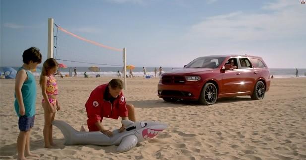 David Hasselhoff joue les sauveteurs en mer en Dodge