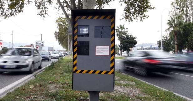 Radars automatiques : le nombre de flashs en baisse en 2013
