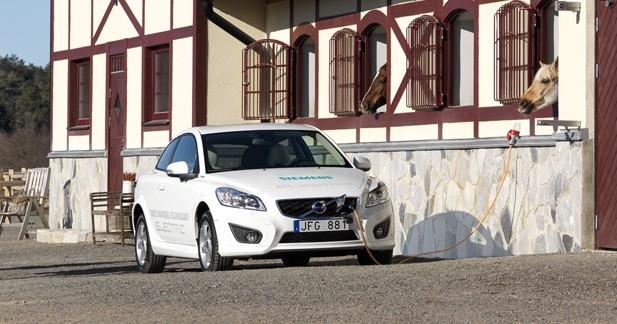 Volvo électrise la C30