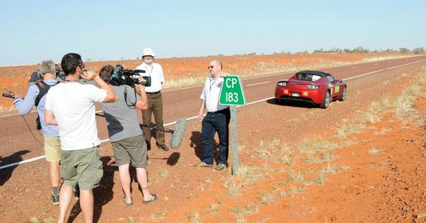 Tesla Roadster : 501 km sans recharger