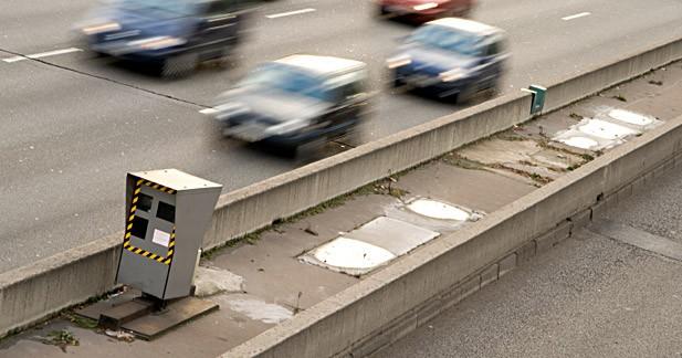 Plus de radars, moins de tolérance, interdiction des avertisseurs : la vitesse toujours en ligne de mire