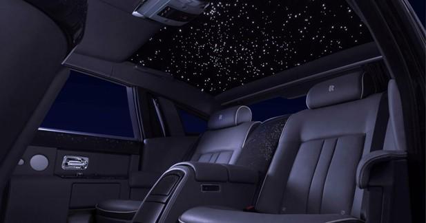 Un ciel étoilé à l'intérieur de la Rolls-Royce Phantom Celestial
