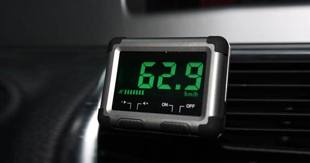 speedoflash sk08 un avertisseur de vitesse simple et efficace. Black Bedroom Furniture Sets. Home Design Ideas