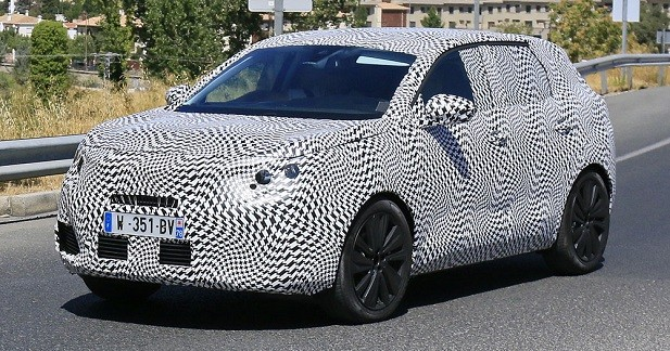 Le nouveau Peugeot 3008 surpris dans le trafic