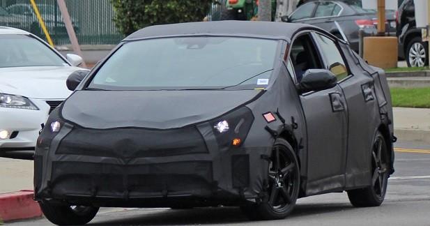 La future Toyota Prius déjà sur la route