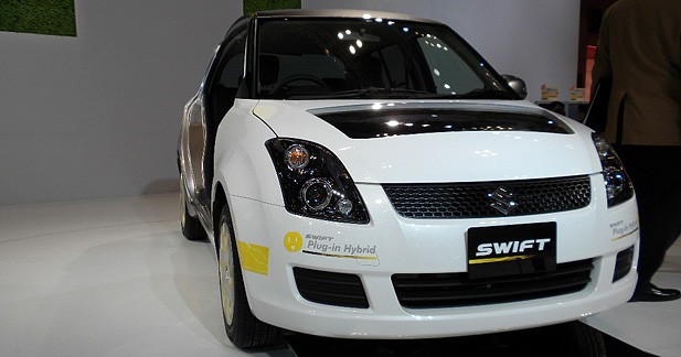suzuki swift hybrid plug in prise de contact avec l 39 hybride. Black Bedroom Furniture Sets. Home Design Ideas