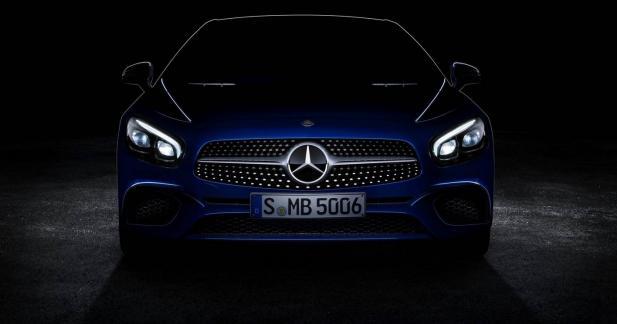 La Mercedes SL restylée montre son museau
