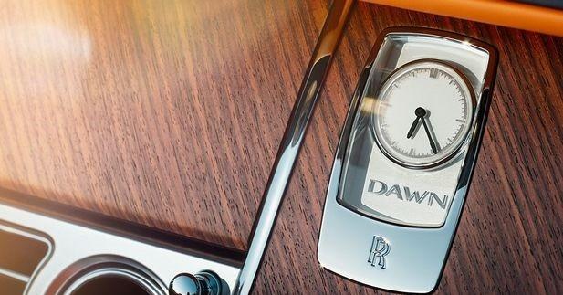 Premiers teasers pour la Rolls-Royce Dawn