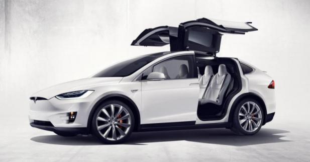 Le Tesla Model X se fait plus accessible
