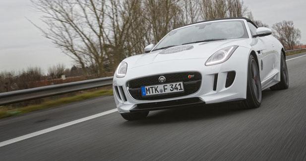 La Jaguar F Type part en tournée sur les routes de France