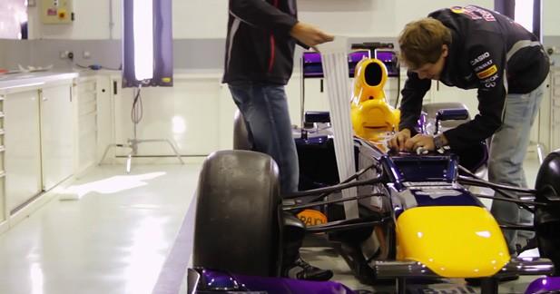 Sebastian Vettel et Mark Webber redécorent la RedBull