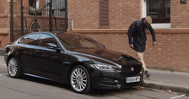 un road trip en jaguar xe pour l 39 acteur idris elba. Black Bedroom Furniture Sets. Home Design Ideas