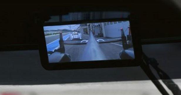 Un rétroviseur numérique sur l'Audi R18 aux 24 Heures du Mans