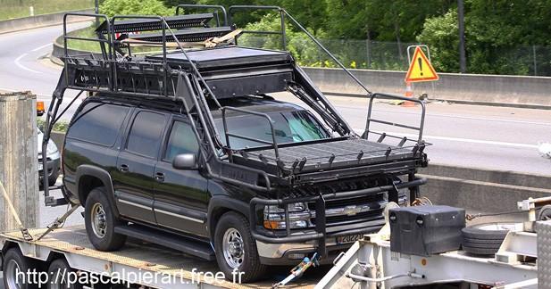 Insolite : l'étonnant Chevrolet Suburban SWATEC du GIGN