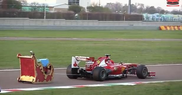 Insolite : le Père Noël roule en Ferrari F1