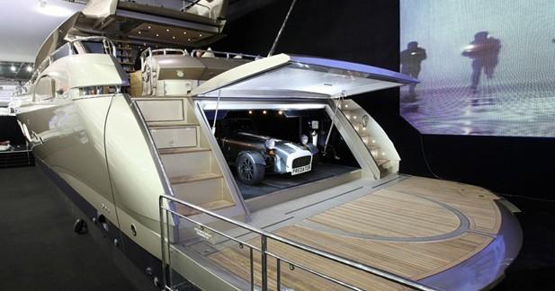 Insolite : une Caterham Super Seven joue les vedettes à bord d'un yacht