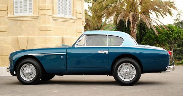 Ventes Bonhams : une Aston Martin DB2/4 Mk2 à hardtop est à vendre
