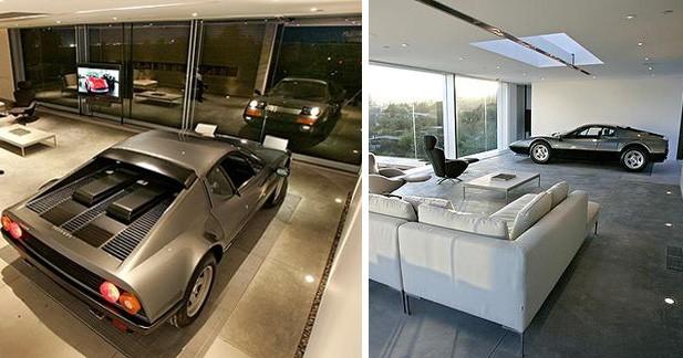 Insolite : une Ferrari dans son salon