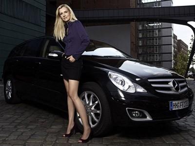 Une Mercedes Classe R pour Jette Joop