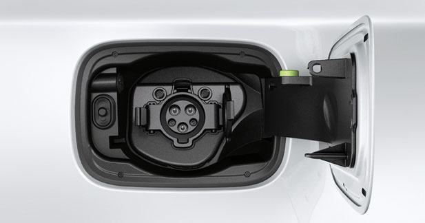 BMW teste la prise unique pour la recharge de son Active E