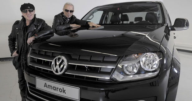 volkswagen amarok le groupe the scorpions l a d j adopt. Black Bedroom Furniture Sets. Home Design Ideas