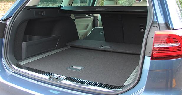 essai nouvelle volkswagen passat sw a la fronti re du premium. Black Bedroom Furniture Sets. Home Design Ideas