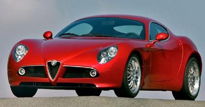 Voici l'Alfa Romeo 8C Competizione de série !