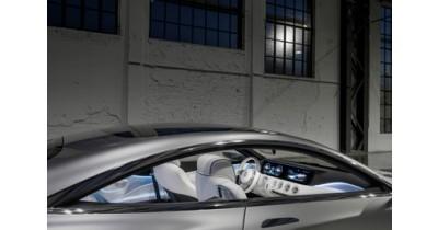 Un système multimédia Garmin sur le concept car S Class Mercedes