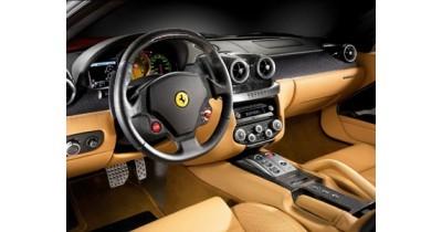Une voie centrale dans la Ferrari 599 GTB Fiorano