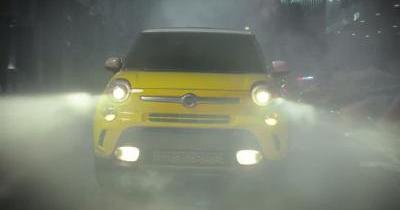 Godzilla contre Fiat 500L : qui l'emporte ?