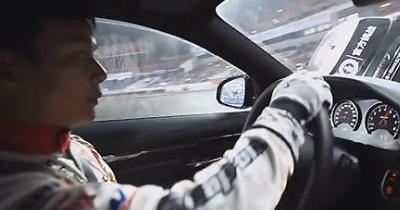 La BMW M4 Coupé s'offre un record du monde de donuts !
