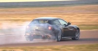 Spyshot : la prochaine Ferrari FF en phase de tests sur circuit