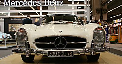 La Mercedes 300 SL roadster fête son demi-siècle