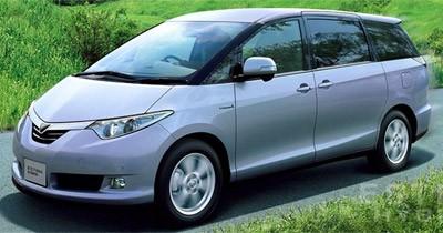 Toyota Estima Hybrid : bientôt en Europe ?