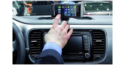 Blog : Volkswagen intègre l'iPhone 5 dans sa gamme et débute par...