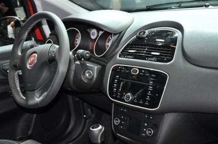 Fiat punto evo le meilleur est l 39 int rieur for A l interieur 2007